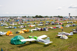 gI_102197_Homebuilt aircraft camping 4085